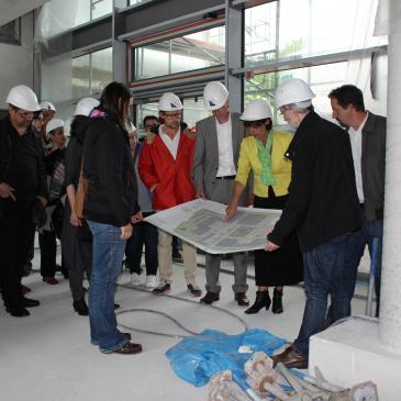 Die SPD-Stadtratsfraktion zu Besuch bei der IGS Hechtsheim.