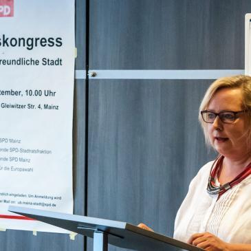 Alexandra Gill-Gers beim Zukunftskongress der Mainzer SPD am 22. September 2018.