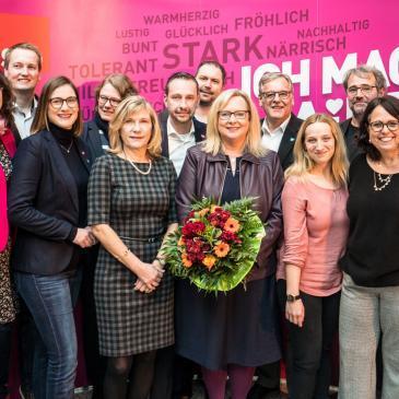 Alexandra Gill-Gers mit Kandidatinnen und Kandidaten für die Kommunalwahl im Mai 2018