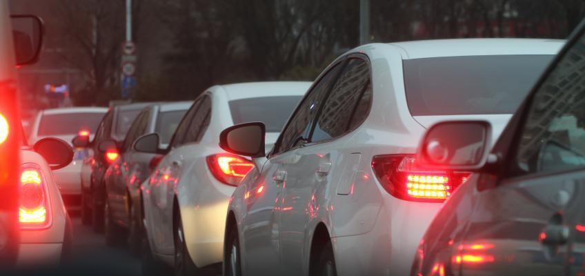 Symbolfoto: Autos im Stau
